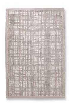 Passform:  -rechteckig  Material / Pflege:  -weicher, strapazierfähiger und waschbarer Baumwoll-Poly-Mix -geeignet für Fußbodenheizung -zertifiziert nach Ökotex Standard 100  Details:  -wendbarer Badezimmer-Teppich graficule -mit großflächigem Karo-Dessin auf der einen und feinem Streifen-Muster auf der anderen Seite -in dezentem Beige -eingefasste Abschlüsse  -Gewicht kg/qm 1,88 -Florhöhe 5 m