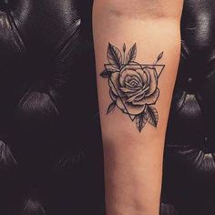 23 Triangle Tattoo Ideas You Will Be Obsessed With Triangle tattoo designs are very popular and have been seen by celebrities like Rita Ora, Ellie Goulding and others. Trendy Tattoos The Dreieckiges Tattoos, Paar Tattoos, Rose Tattoos, Sleeve Tattoos, Forearm Tattoos, Tattos, Mini Tattoos, Flower Tattoos, Female Tattoos