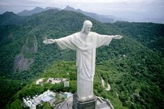 #neverhaveiever visited the Christ the Redeemer statue - Rio de Janeriro, Brazil @StudentUniverse