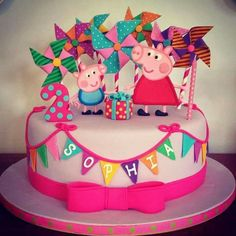 Peppa Pig birthday cake for Sophia's birthday. Peppa Pig Y George, George Pig, Tortas Peppa Pig, Cake Pops, Peppa Pig Birthday Cake, 4th Birthday, Birthday Ideas, Pig Party, Cute Cakes