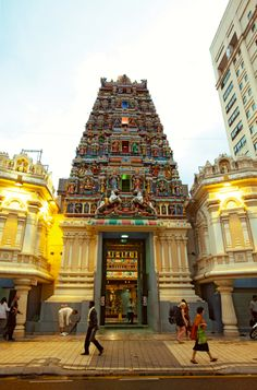 One of the many stunning temples to explore around KL with kids. For more ideas visit our city guide: http://www.suitcasesandstrollers.com/interviews/view/malaysia-with-kids-kuala-lumpur-insider?l=all #GoogleUs #suitcasesandstrollers #travel #travelwithkids #familytravel #familyholidays #familyvacations #traveltips #temples #Malaysia