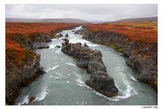 Autumn river through the eyes of smallru - Iceland