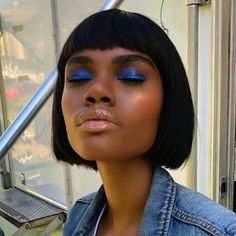 #blueeyes #blueeyemakeup #blueeyeshadow #makeupforblackwomen #makeupforwoc #bobhaircut #bobhairstylesforblackwomen #bangstyle Bright Makeup, Blue Eye Makeup, Eye Makeup Tips, Makeup Art, Blue Makeup Looks, Makeup Goals, Makeup Inspo, Face Makeup, Makeup Ideas