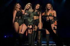 Little Mix performing at the Madison Square Garden in New York for the Dangerous Woman Tour ~ February 2017 Little Mix Salute, Perrie Edwards Style, Little Mix Style, Litte Mix, Dangerous Woman Tour, Corporate Style, Jesy Nelson, Fashion Videos, Stage Outfits