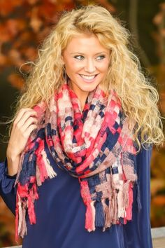 Must have, winter scarf in navy and pink! Love, love, love! The perfect, woven scarf!