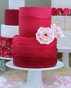 Torn paper ombré on vivid red colors. The torn paper was made out of fondant and if you want to give it a try, visit my fb page :) #tornpaperart #ombre #edibleart #edibleroses #red #rosas #roses #reposteria #bolos #wedding #weddinginspiration #virginiabeachbakers #Virginiabeach #virginiabeachphotographer #sugarart #sugarrose #cake #cakes #cakeart #cakedecorating #cakedesign #cakesofinstagram #hamptonroadsweddings #hamptonroadscakes #hamptonroadsbaker #hamptonroads #757 Beautiful Cakes, Amazing Cakes, Mini Cakes, Cupcake Cakes, Ombre Cake, Strictly Weddings, Specialty Cakes, Cake Boss, Savoury Cake