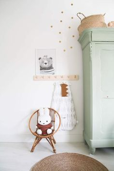 Peaks im Babyzimmer von Baby Nr. 2 (Missjettle) Spieken in de babykamer van baby no 2 Playroom Design, Kids Room Design, Nursery Decor, Bedroom Decor, Bedroom Furniture, Bedroom Ideas, Scandinavian Kids Rooms, Baby Storage, Storage Ideas