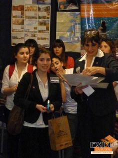 Natalia, ganadora del viaje a La Plata Full Day, organizado por los alumnos de 2do. año de turismo