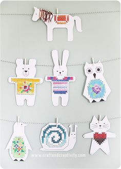 Korsstygn till barnrummet - <br><i>Cross stitch paper animals</i> Kids Crafts, Animal Crafts For Kids, Projects For Kids, Sewing Projects, Arts And Crafts, Paper Animal Crafts, Paper Animals, Paper Crafts, Cross Stitching