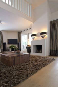 love the fireplace Home Fireplace, Zen House, Living Room Remodel, House Styles, House Inspiration, House Interior, Home Deco, Brown Carpet Living Room, Indoor Fireplace