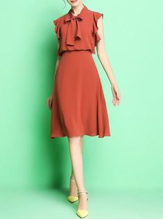 Bow Tie Dress # Fashion dresses 15 Cute Retro-Inspired Dresses That Are Always In Fashion Work Fashion, Modest Fashion, Fashion Dresses, Fashion Fashion, High Fashion, Fashion Pants, Fashion Trends, Lovely Dresses, Elegant Dresses