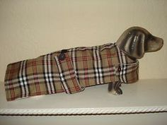 "NEW HANDMADE DOG COAT 16.5"" TAUPE,RED,BLK TARTAN, FLEECE LINED,DACHSHUND SM/DOGNEW HANDMADE DOG COAT 16.5"" TAUPE,RED,BLK TARTAN, FLEECE LINED,DACHSHUND SM/DOG"