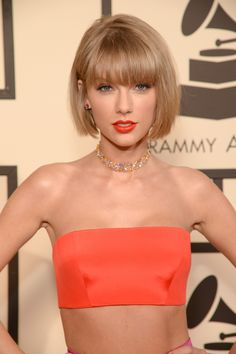 Taylor Swift Stacked Bob With Blunt Bangs ❤ If you are in search for nice short haircuts, which can highlight your look, we have the best selection of 65 hottest haircuts for women. Hot Haircuts, Bob Hairstyles With Bangs, Bob Haircut With Bangs, Short Bob Haircuts, Bang Haircuts, Bob Bangs, Bob Haircuts For Women, Haircut Short, Hairstyles Haircuts