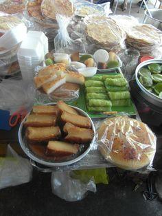 Dit zijn gerechten die van rijst noedels worden gemaakt. De gerechten zijn cakejes en pannenkoeken.