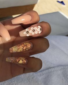 Best Floral Nail art Designs I personal wouldn't have my nails that long have a toddler Acrylic Nail Designs, Nail Art Designs, Acrylic Nails, Acrylics, Coffin Nails Designs Summer, Gorgeous Nails, Pretty Nails, Floral Nail Art, Nail Games