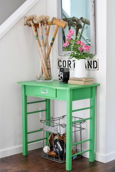 Flower Patch Farmgirl Green entry table