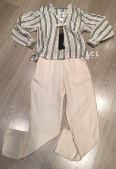 Pues sí, ya empezamos a tener en tienda las primeras prendas exclusivas para esta primavera. Aquí tienes un oufit de la nueva colección Sita Murt Spring Summer 2017 + collar Mimi Scholer. Venga! Unos días más con rebajas de hasta el 60%. #sitamurt #mimischoler #rebajas