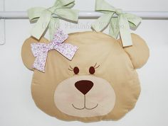 Porta Fraldas cabeça de Ursinha - Pontinhos Mágicos - A loja do Bebê Felt Diy, Felt Crafts, Fabric Crafts, Sewing For Kids, Baby Sewing, Tedy Bear, Sewing Projects, Projects To Try, Decorative Cushions