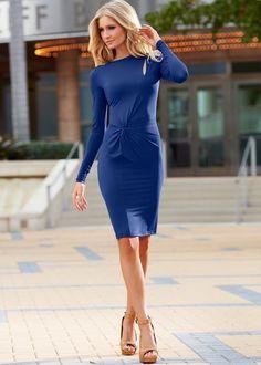 Blauwe jurk voor een avondje uit