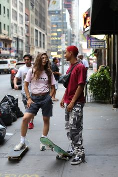 Radical duudee Indie in 2019 Outfits Skater girls Grunge outfits Skater Girl Outfits duudee girls GRUNGE Indie Outfits Radical Skater Indie Outfits, Grunge Outfits, Skater Girl Style, Skate Girl, Skate Style Girl, Base Ball, Skater Girl Outfits, Skater Boys, Jaden Smith
