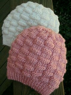 Knitting..bere..hat..children