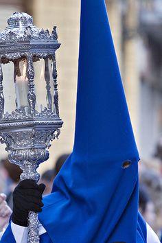 Capirote de la Semana Santa de Zaragoza