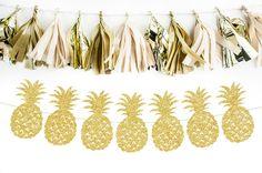 Pineapple gold glitter banner por BashandCoParty en Etsy