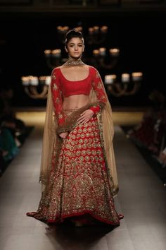 #bridalwear #bridallehenga #aliabhatt #redlehenga #wedding #indianwedding #summerwedding #summer