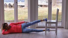 PT-Leila: Så tränar du effektivt – med en helt vanlig stol Chair Exercises, Yoga, Running, Fitness, Chair Workout, Yoga Tips, Excercise, Health Fitness