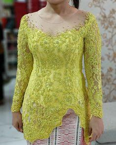 Kebaya Lace, Kebaya Hijab, Kebaya Brokat, Batik Kebaya, Kebaya Dress, Dress Brokat Modern, Kebaya Modern Dress, Model Dress Batik, Batik Dress