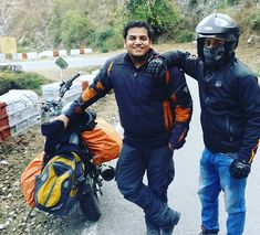 Yamunotri ride.. #Uttarakhand #Uttaranchal #Chardham #trek #trekking #photography #goproin #goproindia #selfie #snowfall #snow #India #clouds #sky #roadtrip #motorcyclediaries #photo #instagood #vacation #snow #ride #backpacker #travelIndia #friends #pic #instahood #mountains #snowfall #Snowclad