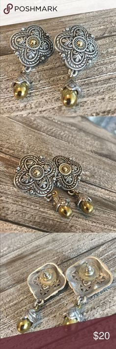 New Listing Nice Brighton Earrings Nice Brighton Silver & gold Earrings in good condition. Earrings are very pretty with the silver & gold and the design details. Earrings come with Brighton bag in picture. Thanks for looking. Brighton Jewelry Earrings