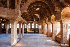 Antoni Gaudí: Torre Bellesguard or Casa Figueres (Barcelona). Unfinished room under the roof. Great Buildings And Structures, Modern Buildings, Antonio Gaudi, Bella Vista, Art Nouveau, Art And Architecture, Taj Mahal, Barcelona Cathedral, The Good Place