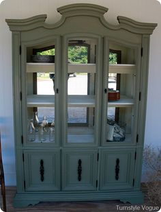 painted with: Annie Sloan's Chateau Grey