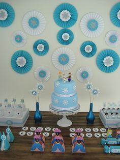 Frozen Themed Birthday Party, Elsa Birthday, Disney Frozen Birthday, Frozen Party, Birthday Party Themes, Frozen Decorations, Blue Party Decorations, Diy Birthday Decorations, Festa Frozen Fever