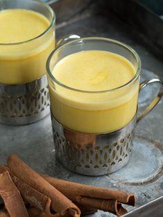 Golden milk - Kvardagsmat Golden Milk, Pudding, Desserts, Bra, Food, Tailgate Desserts, Deserts, Gold Milk, Custard Pudding