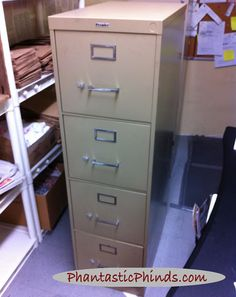 Phantastic Phinds: Phantastic Metal Filing Cabinet Update: How to Use Chalk Paint® on Metal