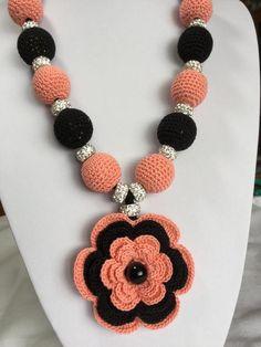 Crochet Necklace Pattern, Crochet Jewelry Patterns, Beaded Jewelry Designs, Crochet Accessories, Crochet Earrings, Beaded Necklace, Crochet Jewellery, Collar Necklace, Crochet Collar