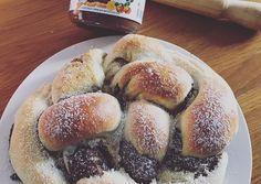 Nutellás kalács | andiballabas receptje - Cookpad receptek Pretzel Bites, Hot Dog Buns, Nutella, Hamburger, Bakery, Food And Drink, Bread, Sweet, Recipes