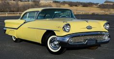 1957 Oldsmobile Starfire 98 Holiday Coupe with J-2 power package