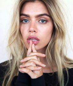 how to put blush on correctly