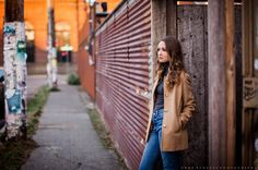 girl senior pictures, girl standing poses, senior girl poses, senior photography, urban senior picture ideas, senior pictures in the city, Anne Burgess Photography