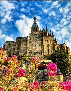 Mont Saint Michel, France #travel #awesome #places Visit www.hot-lyts.com to see more background images