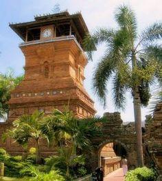 menara masjid demak, jawa tengah indonesia