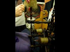 Double-flyer flax wheel in action! - YouTube