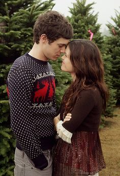 Adam Brody and Rachel Bilson...love their characters on The O.C., love them in real life.