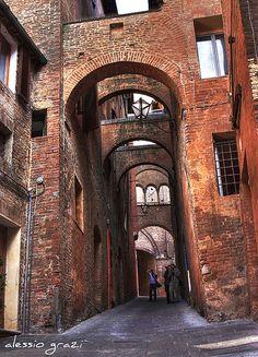 Medieval archway - Siena, Tuscany