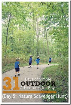 Go on a Nature Scavenger Hunt {Outdoor Adventures for Boys} ll 4tunate.net