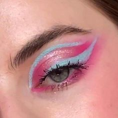 Cloud Spun palette - This baby pink palette is sweeter than candy! Featuring a perfect mix of Super Shock, Pressed Glitter, matte and metallic finishes and a range of pinks to create the sweetest looks! 🍭The full collection: 💓Cloud Spun palette 💓3 Lippie Stix 💓Take the Cake blush 💓Truffle Shuffle blush 💓3 So Juicy Glosses 💓Candy Floss Marbled Super Shock Highlighter 💓Fluffie Creme Gel Liner 💓Boots Creme Gel Liner --- IG: @glowbysoph Makeup Inspo, Makeup Tips, Makeup Stuff, Makeup Ideas, Pastell Make-up, Truffle Shuffle, Winged Eye, Pink Palette, Creative Makeup Looks