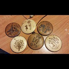 Wood pendants #jewlery #woodburn_designs #pyrography https://www.facebook.com/mywoodburndesigns